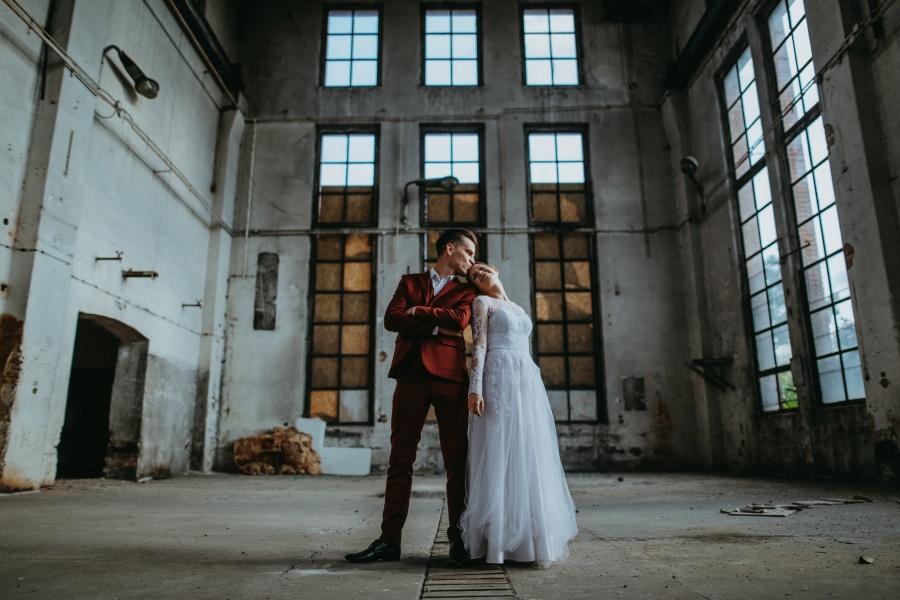 Sesja ślubna - Urban Exploration in Gniezno 14