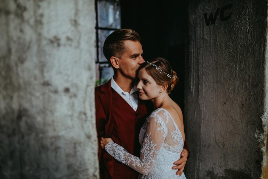 Sesja ślubna - Urban Exploration in Gniezno 18